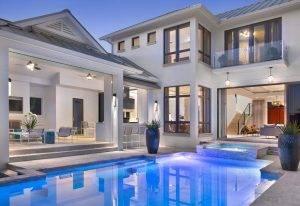 hiša z bazenom