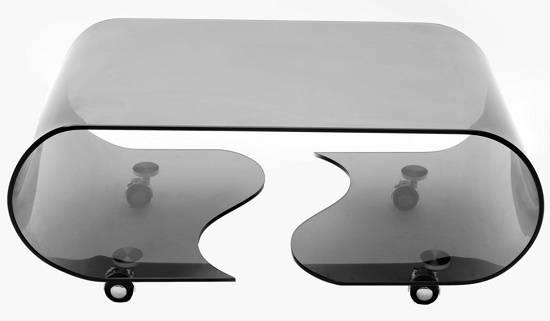 Klubske mizice dodajo prestiž naši dnevni sobi