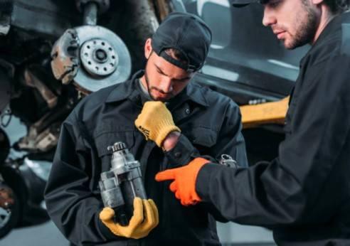 Zaščitna oprema za delavce na nevarnih delovnih mestih
