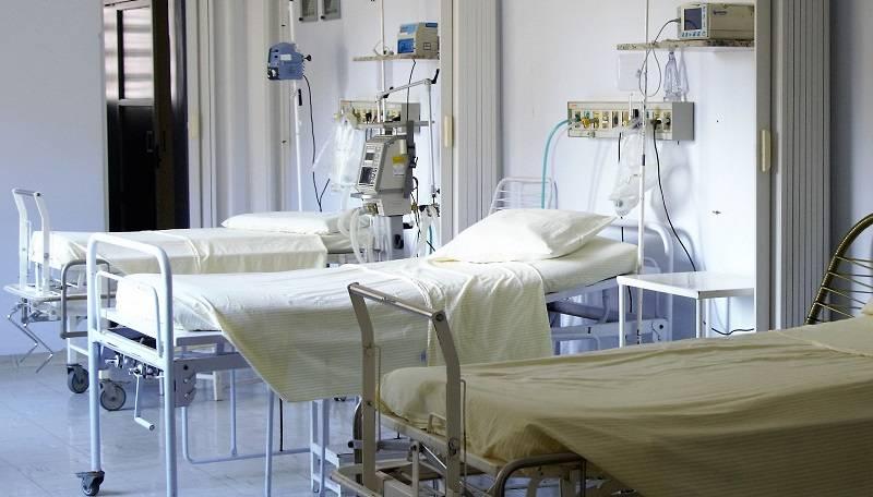 Bolniška postelja